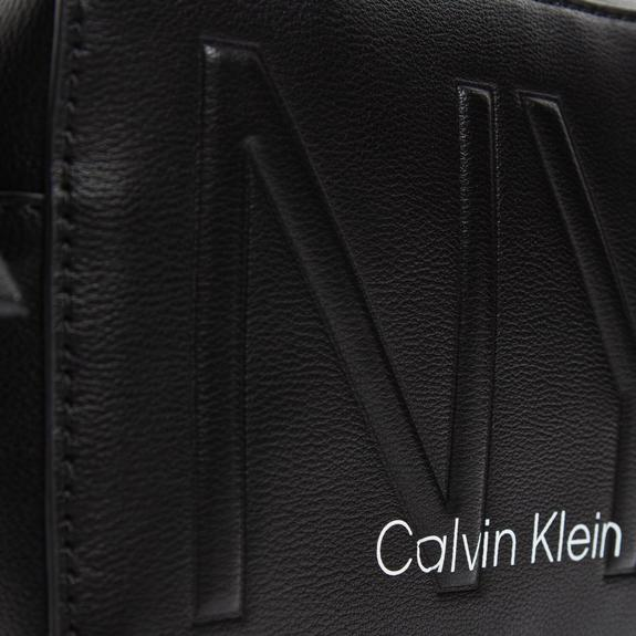 CALVIN KLEIN Must NY